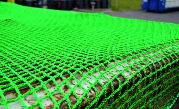 Feinmaschiges PP-Netz, grün mit 2,5 mm starker Randkordel, Maschenweite 20 mm