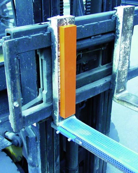 Gabelzinken-Schutzschuh mit Lochblecheinlage, 10 mm Schichtdicke
