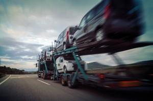 LKW mit PKW-Ladungssicherung